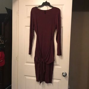 Dresses & Skirts - Burgundy bodycon dress with front tie